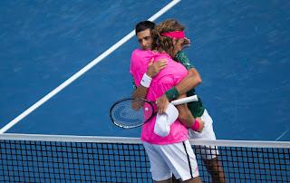 Djokovic thất bại trước tay vợt trẻ Hy Lạp Tsitsipas