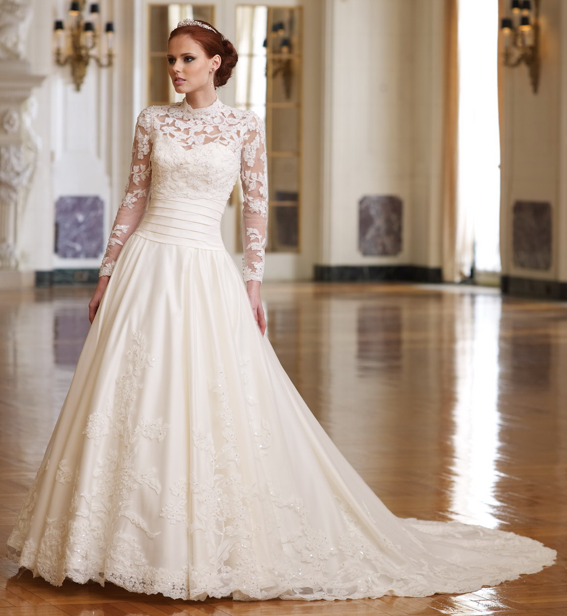 Traditional Wedding Dresses: Lace Wedding Dress