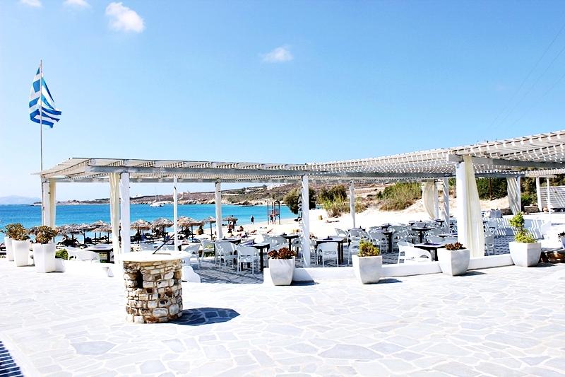 Paradiso beach club & restaurant, Martselo beach Paros island