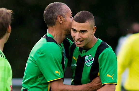 Henrik Larsson comes on for Högaborg to play alongside his son Jordan