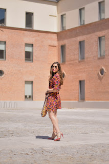 How to wear a flowered dress
