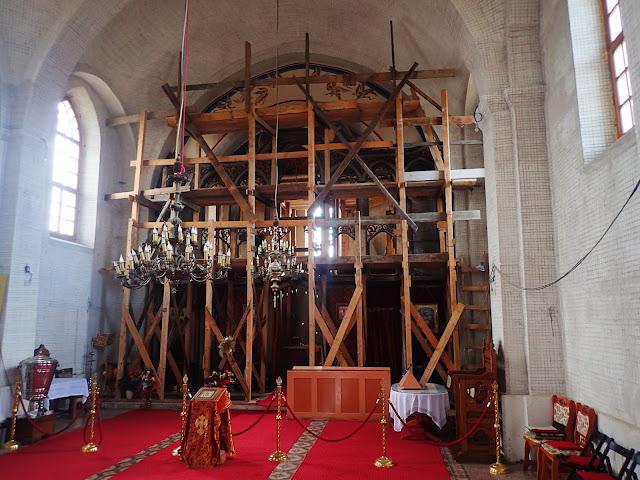 Sapancka cerkiew widziana od środka
