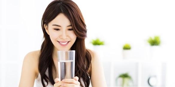 Ternyata Manfaat Minum Air Hangat Setiap Pagi ini Sungguh Menakjubkan