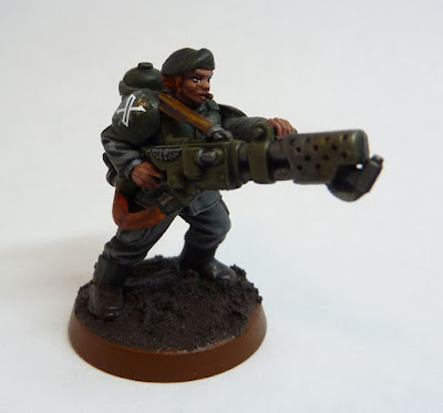 Astra Militarum flamer for Warhammer 40,000 with female head from Statuesque Miniatures