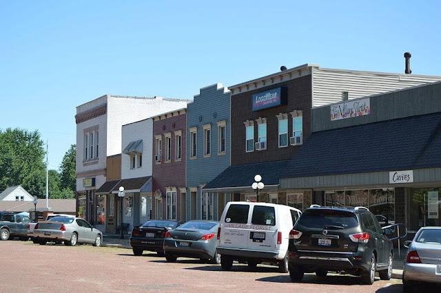 More Small Businesses Close in Metamora, Metamora Herald