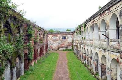 Spot Wisata Fort Willem