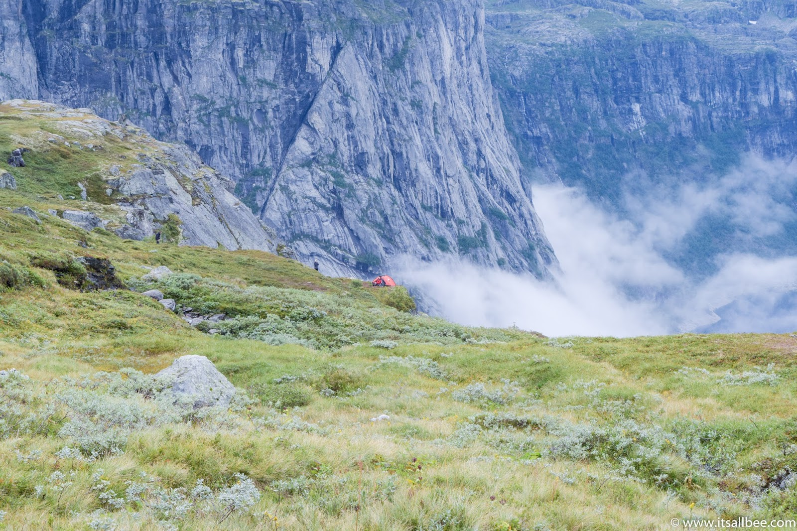 Adventures in Norway | Hiking To Trolltunga