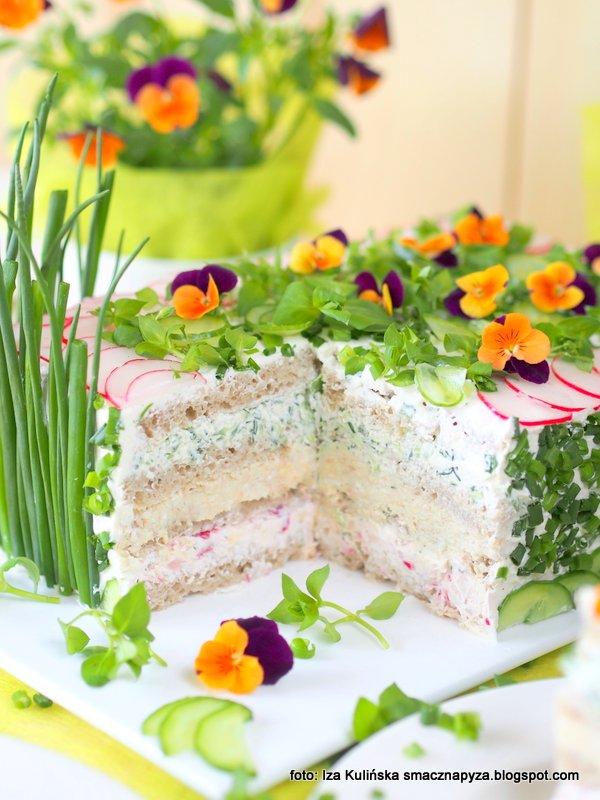 torcik wytrawny, senik na zimno, tort chlebowo serowy, twarozek, chleb zamiast ciasta, przekaski, zamiast kanapek, ozdoba stolu