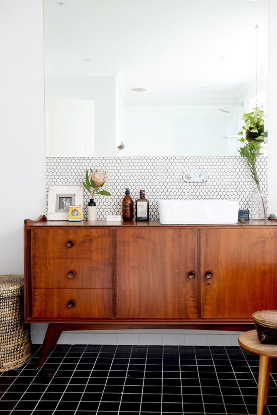 Safari Fusion blog | Pretty Protea | Vintage meets modern in this gorgeous bathroom, Cape Town, South Africa