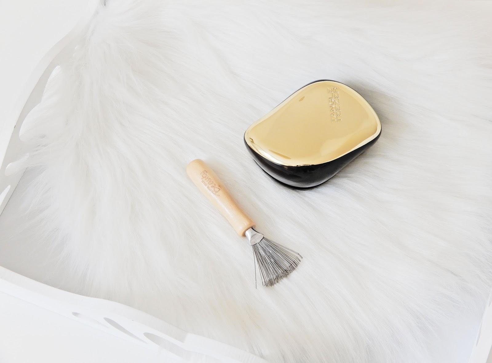 Przyrząd do czyszczenie szczotek do włosów, grabki do szczotek, czyszczenie szczotek, grabki z Rossmanna,Tangle Teezer Compact Styler, Tangle Teezer, angle Teezer Compact Styler Gold, r