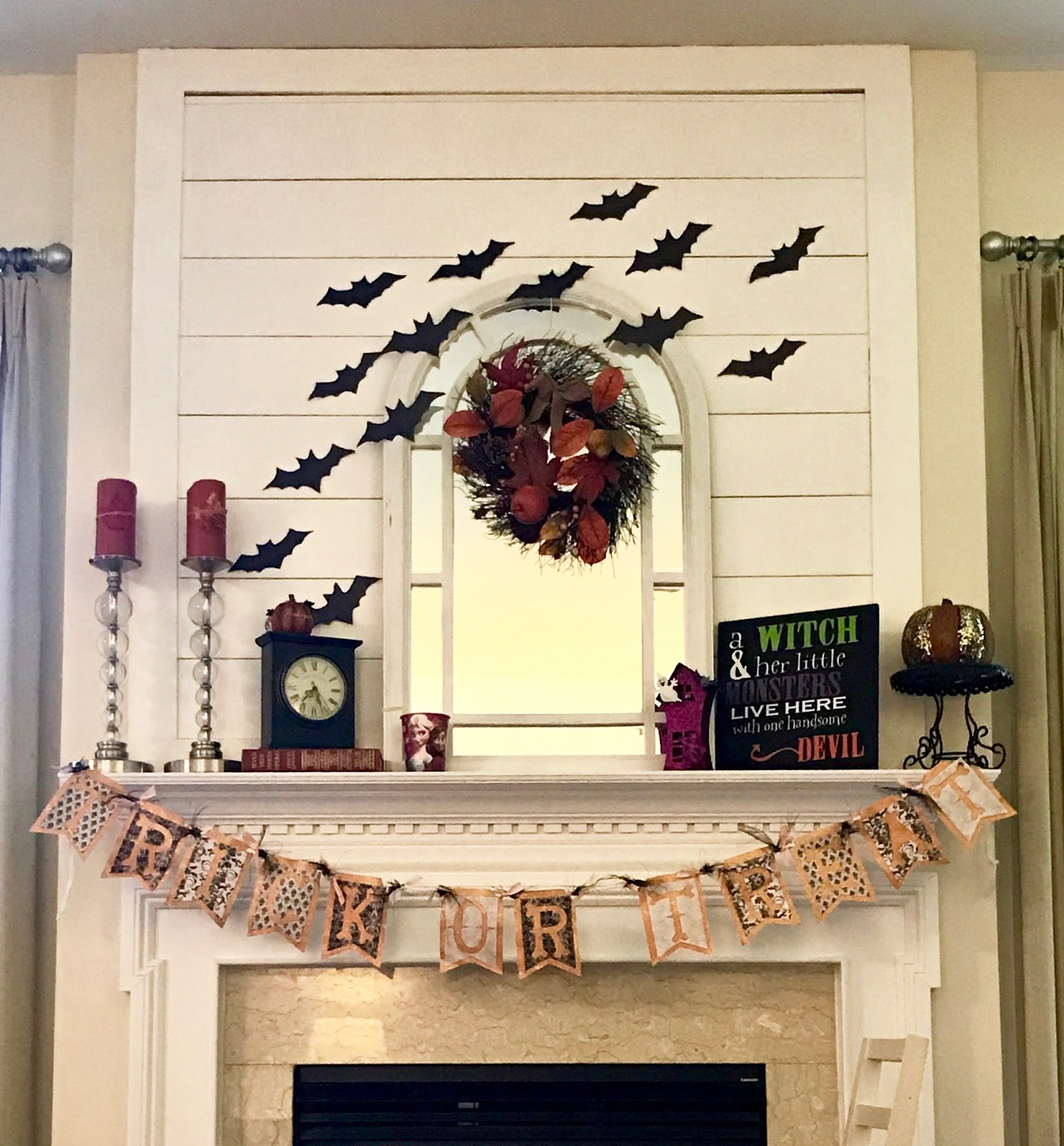 A Million Kisses 5 Free Halloween Decorating Ideas