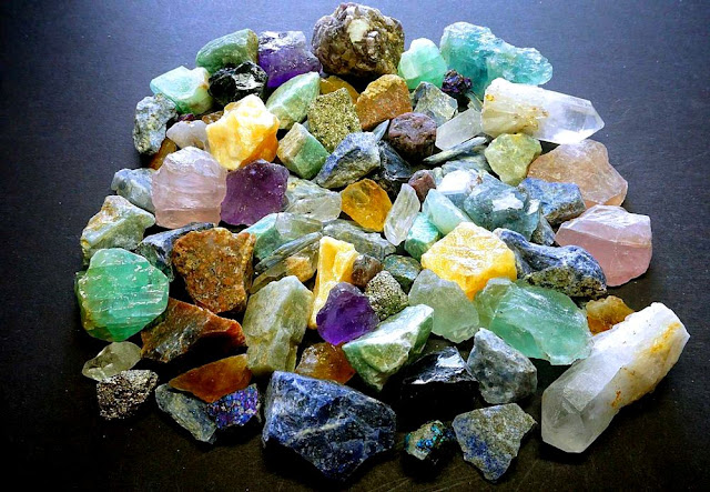 Top Spots For Gem Hunting In The US