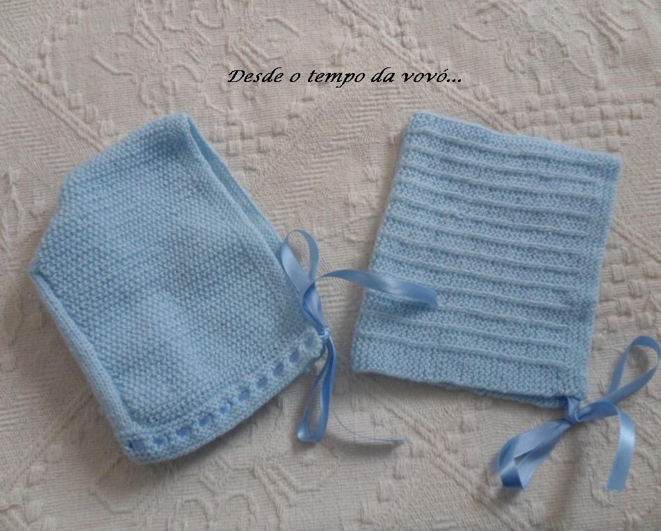 061b422921a73 Para combinar com os sapatinhos que mostrei no último post fiz também os  gorros em tricô