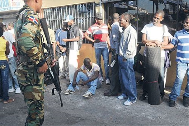 Apresan más de 100 haitianos ilegales y ocupan armas y drogas