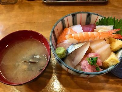 三軒茶屋のO-PLACE(オープレイス)の海鮮丼ランチ