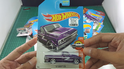 Hot Wheels Super Treasure Hunt 67 Chevy C10