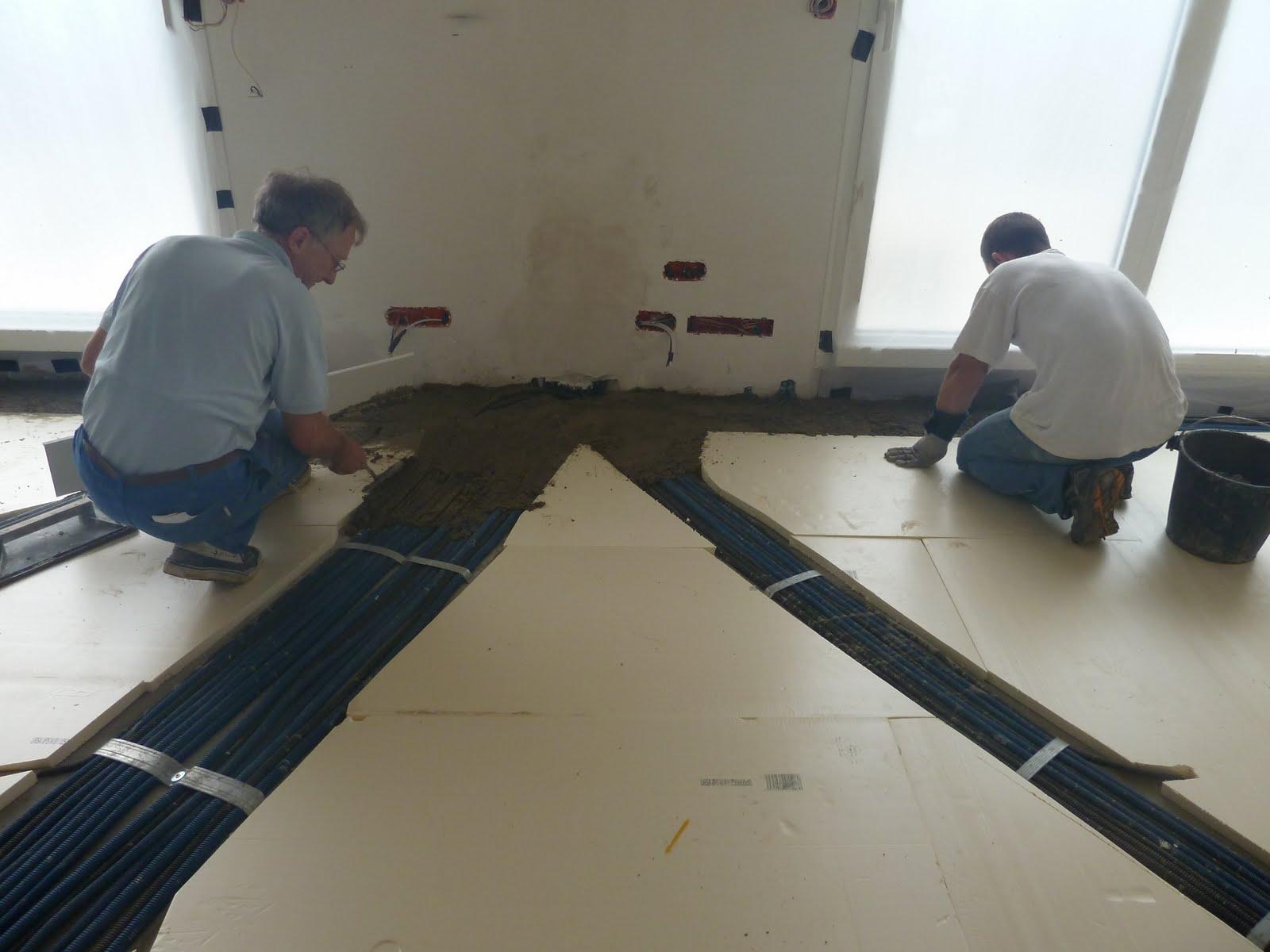 la maison du bonheur de m line tilan c line et beno t pose de l 39 isolant du plancher du rdc. Black Bedroom Furniture Sets. Home Design Ideas