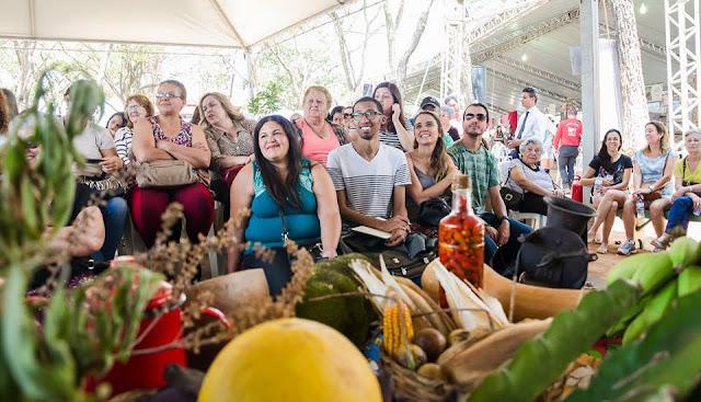 Milhares de pessoas curtem os festivais gastronômicos viabilizados pelo Governo do Estado em diversas localidades de Minas Gerais || Divulgação/Festival Igarapé Bem Temperado