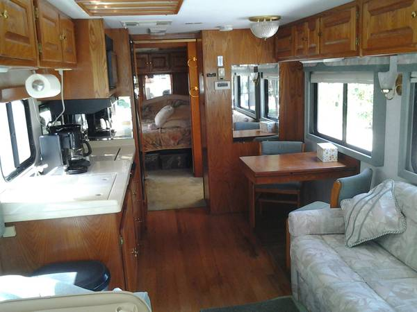 Used Rvs 1996 Monaco Windsor Diesel Pusher For Sale By Owner