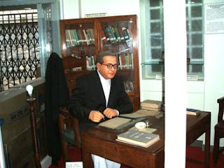 Baba-saheb-writing-last-book-in-hindi_14