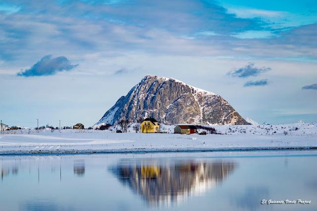 Lofoten, reflejos sobre el hielo