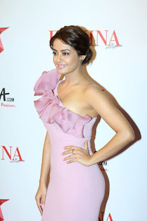 Surveen Chawla At Femina Beauty Awards 2015 5.jpeg