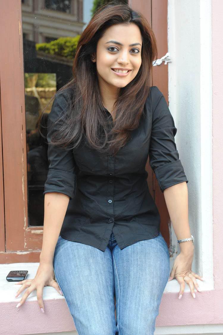 Nisha Agarwal in Jeans