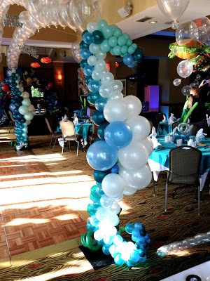 Seahorse balloon sculpture for dance floor balloon canopy