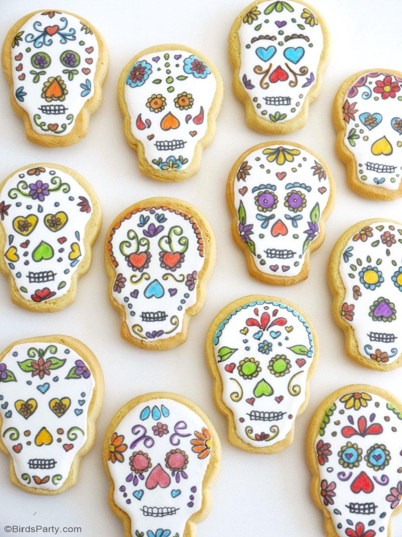 Cookies Crânes Pour Dia De Los Muertos - recette facile à faire pour amuser les enfants pour Halloween ou encore servir lors de vos fêtes! by BIrdsParty.com @birdsparty #cookies #biscuits #halloween #ideeshalloween