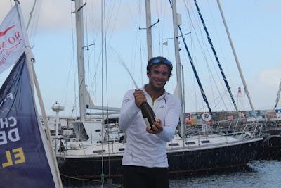 Charlie Dalin vainqueur à Horta de l'étape 1