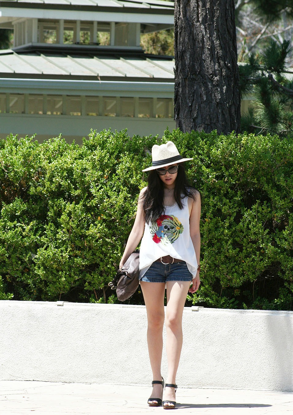 Adrienne Nguyen_Invictus_Girly_Bohemian Summer Outfit_Casual Boho Outfit with Denim Shorts