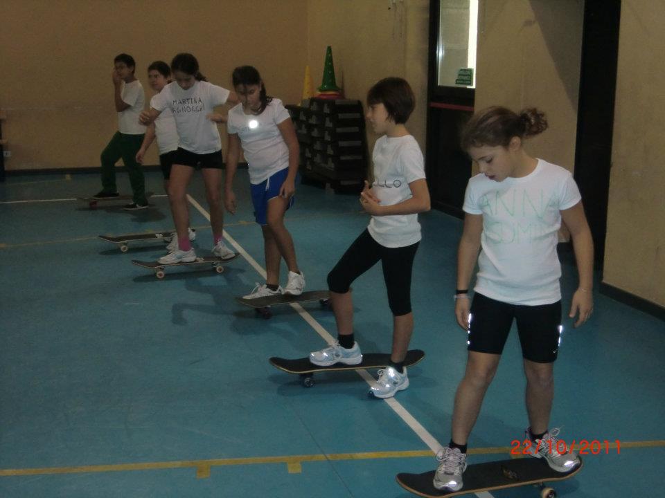 La Skateboard School va a Scuola