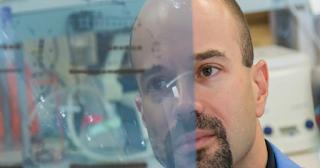 Έλληνας επιστήμονας «μετατρέπει» τα κακοήθη καρκινικά κύτταρα σε καλοήθη και υποκλίνεται ο πλανήτης