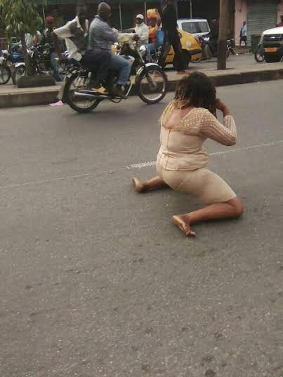 Cameroonian girl went naked on the street