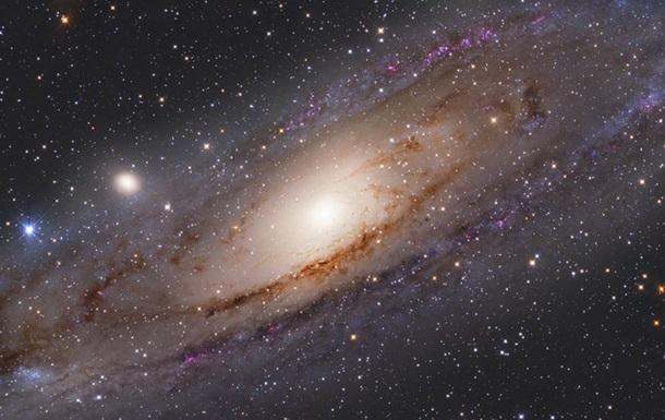 """Туманність Андромеди звинуватили в """"космічному канібалізмі"""""""