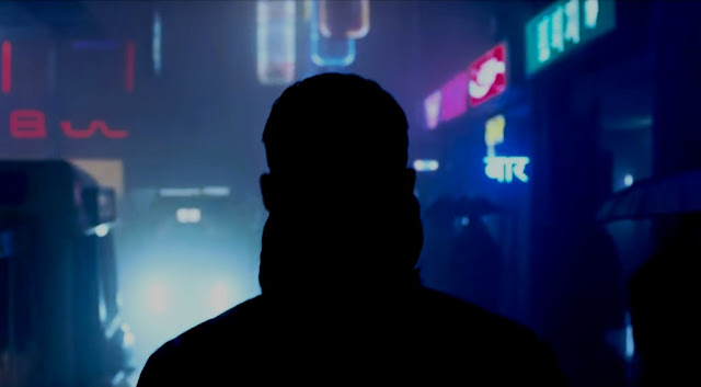 Use of neon signs and Hindi influence in Blade Runner 2049
