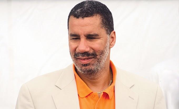 Organizaciones y partidos exigen sacar a ex gobernador de NY de la directiva del desfile dominicano