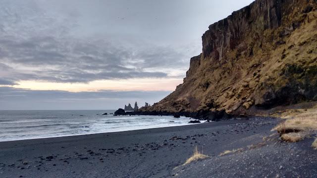 plaża w Viku, plaża Vik, plaża Islandia, czarna plaża