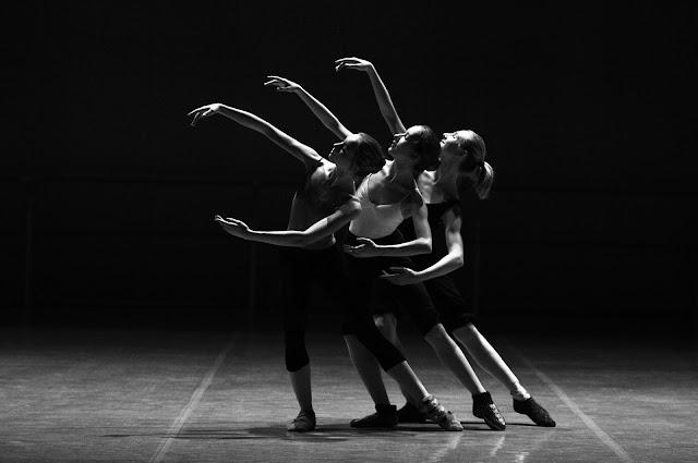 Poetry, dance, ballet, entertain, victoria raine