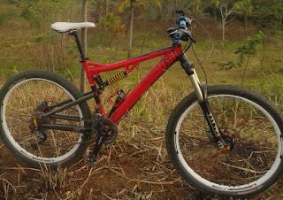 Sepeda Gunung MTB Pemacu Adrenalin