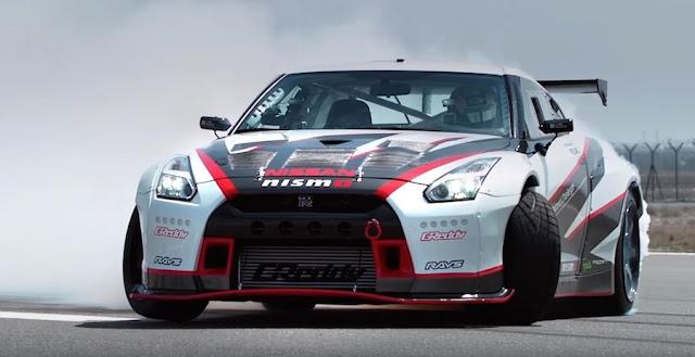 時速304.96km/h!日産GT-Rが世界最速のドリフト走行でギネス記録を更新!