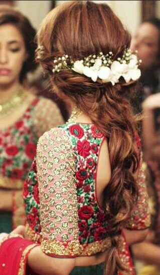 30 Easy Hairstyles For Your Mehndi Ceremony | Bling Sparkle