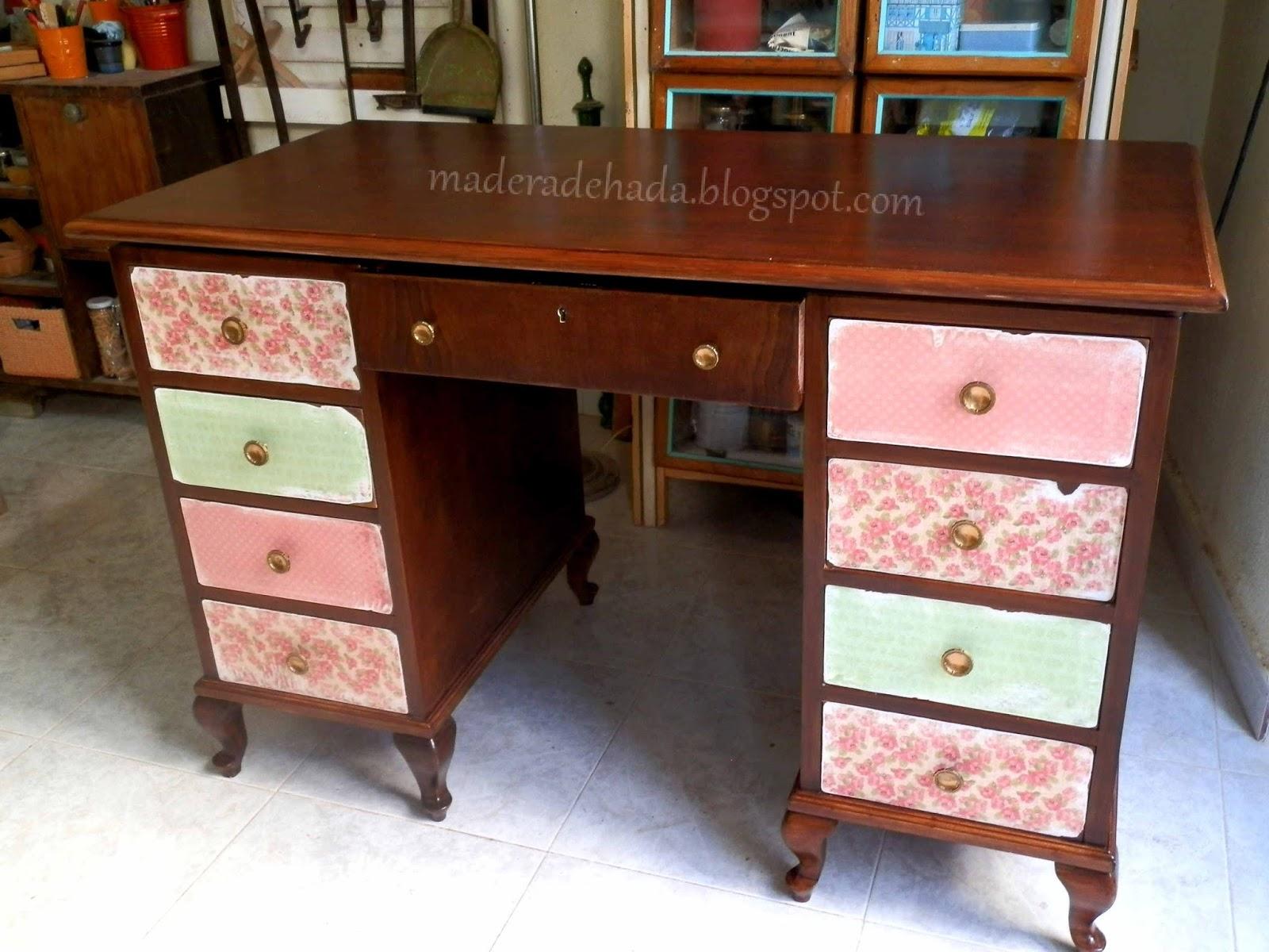 Como quitar la pintura a un mueble de madera madera de hada for Pintura de muebles de madera
