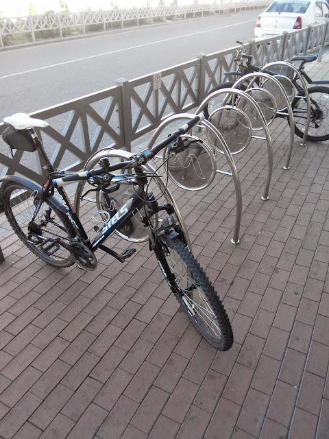 Удачная удобная велопарковка