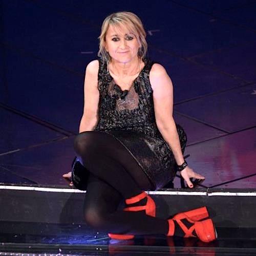 Luciana Littizzetto in Gabriele Colangelo e scarpe Rizieri - Sanremo 2013