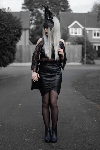 Sammi Jackson - Black Lace Rabbit Halloween Look