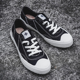 Sepatu Sage