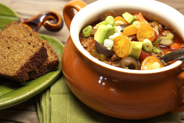 Primal Chili and some bread beside