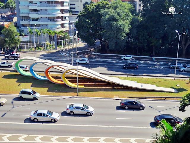 Vista ampla do Monumento aos 80 anos da Imigração Japonesa - Bela Vista - São Paulo