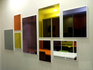 Mirrors of different colors